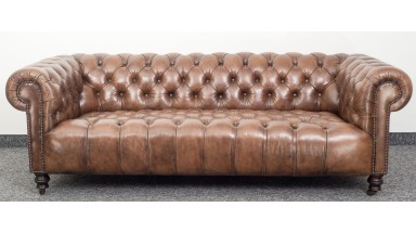 Milena Chesterfield Sofa